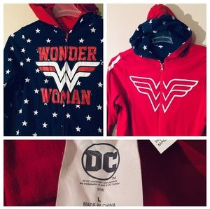 DC Comics Reversible Wonder Women Themed Jacket LG